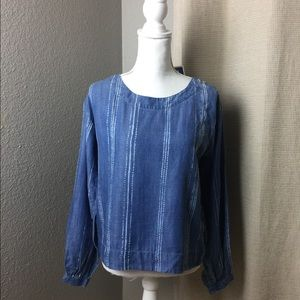NWT Cloth and stone longsleeve chambray top Small